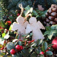Birkenholz-Anhänger Engel