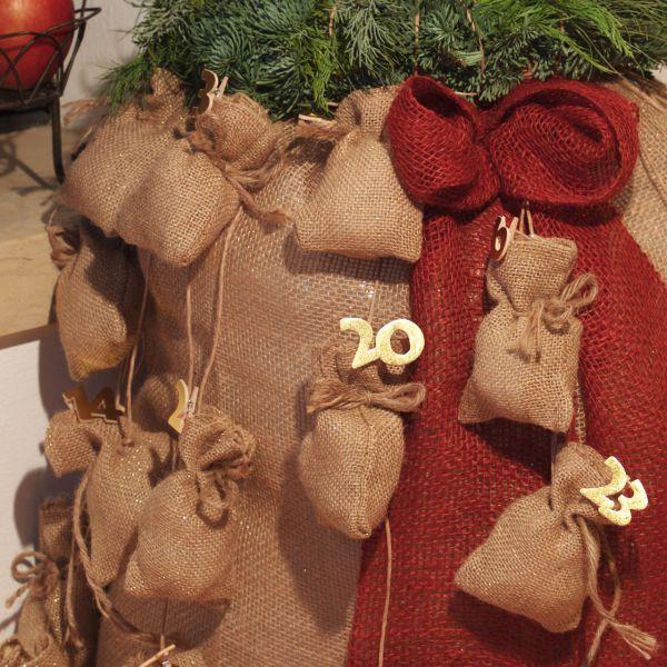 Jutesäckchen zum Adventskalender basteln natur-gold