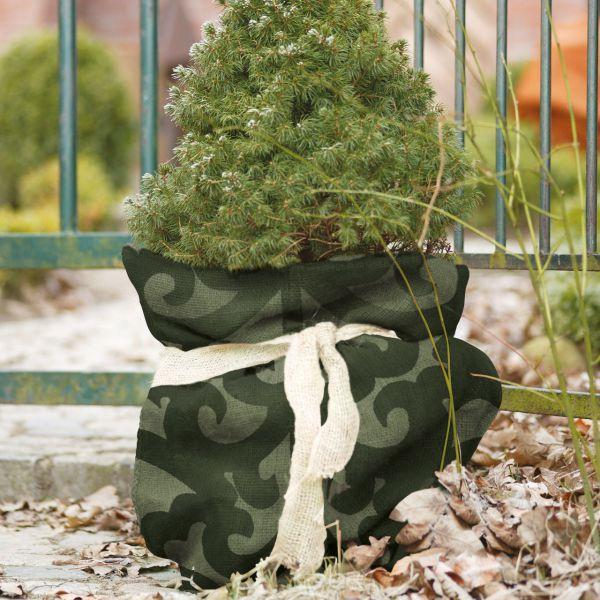Jutesack als Winterschutz Ornament-Design grün